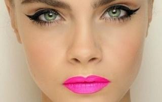 fuchsia lipstick